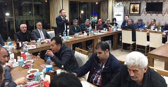 AK Parti Merkez İlçe Başkanı Öner Geyik, Muhtarlarla Bir Araya Geldi