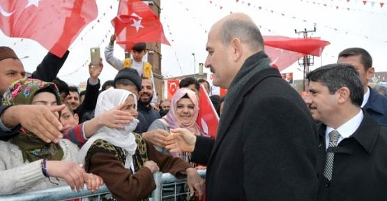 İçişleri Bakanı Soylu Eruh'ta Referandum Mitingine Katıldı