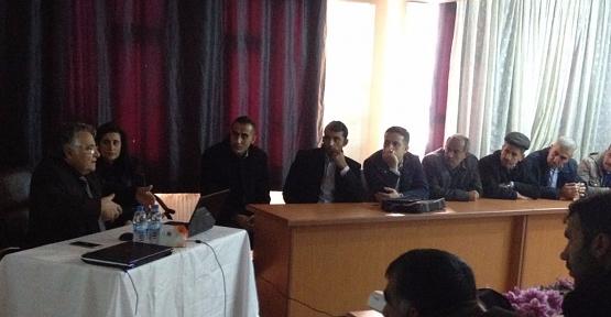 Siirt'teki Arı Yetiştiricilerine DİKA'dan Pervari Balı Eğitimi
