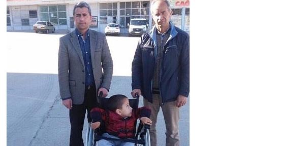 AK Parti Engelli Çocuğu Sevindirdi