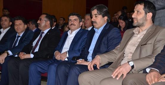 """Aktay,""""Kürtçe'ye En Büyük Hizmeti Devlet Yapıyor"""""""