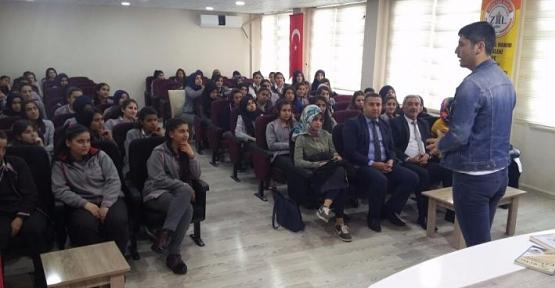 Ünlü Yazar Serkan Şengül, Zübeyde Hanım Lisesinin Konuğu Oldu