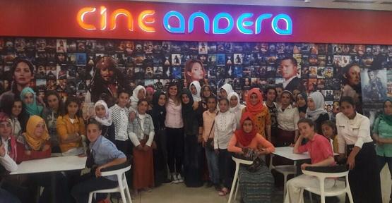 Beğendik Belde Belediyesi, 55 Kız Öğrenciyi Sinemayla Buluşturdu