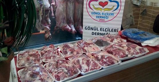 Siirt Gönül-Der'den İhtiyaç Sahiplerine Adaklık Kurban Eti Yardımı