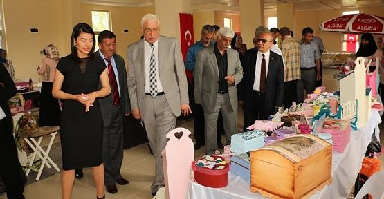 Tillo Halk Eğitim Merkezi, Yıl Sonu Sergisi Açtı