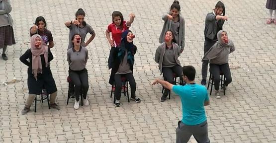 Zübeyde Hanım Lisesinde Bahar Şenlikleri Yapıldı