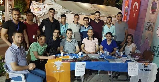 AK Parti Gençlik Kollarından Üye Standı