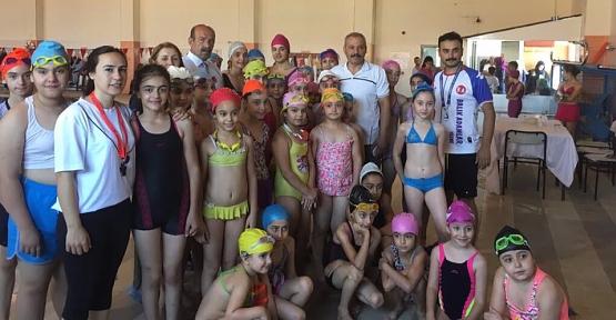 Siirt'te 267 Çocuk ve 26 Engelli Genç Yüzme Öğrendi