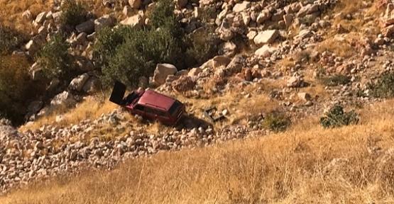 Eruh'ta Şarampole Yuvarlanan Araçta 2 Kişi Yaralandı