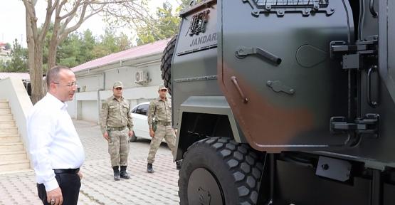 Vali Atik, Ejder-3 Zırhlı Aracı İnceledi