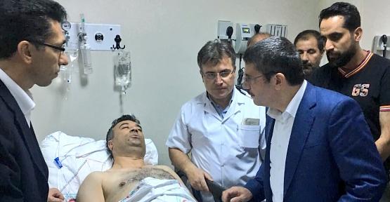 Vali Vekili Kuş ve Milletvekilimiz Aktay, Yaralıları Hastanede Ziyaret Etti