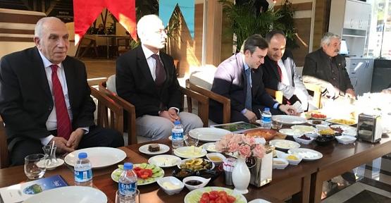 Başkan Taşkın, Gazeteciler Gününde Basınla Bir Araya Geldi