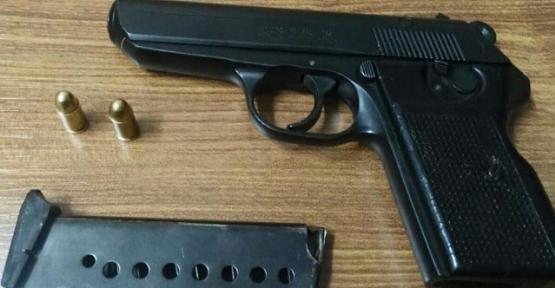 Polise Silah Doğrultarak Kaçmaya Çalışan Firari Şahıs Yakalandı