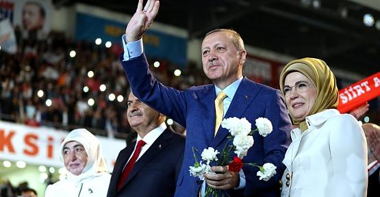 """AK Parti'de """"3 Dönem Kuralı"""" Başarılı Olan Belediye Başkanları İçin Geçerli Olmayacak"""