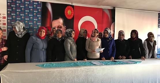 """AK Parti'den """"Yaşlılar Haftası"""" Açıklaması"""