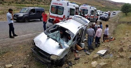 Otomobil Şarampole Devrildi:1 Kişi Öldü, 6 Kişi Yaralandı