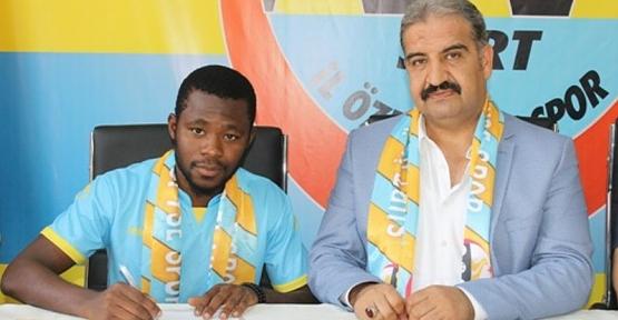 Siirt İl Özel İdaresi Spor'a Nijeryalı Futbolcu