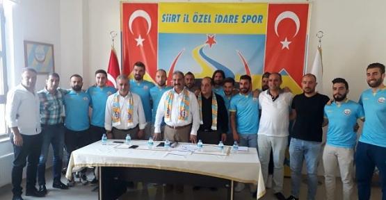 Siirt İl Özel İdarespor 10 Futbolcuya İmza Attırdı