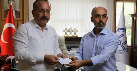 Vali Atik, Türkiye Diyanet Vakfına Kurban Bağışında Bulundu
