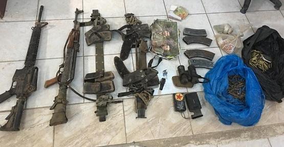 Etkisiz Hale Getirilen Teröristlerin Kullandığı Silahlar Ele Geçirildi