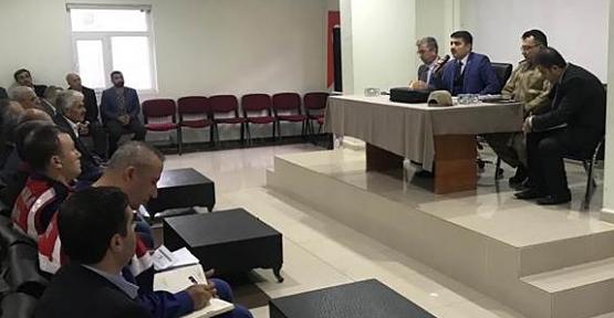Baykan Kaymakamı Mehmet Tunç Okul Servis Şoförleri İle Toplantı Yaptı