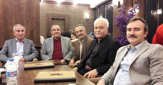 Prof.Dr. Nihat Hatipoğlu, Sınıf Arkadaşlarıyla Bir Araya Geldi