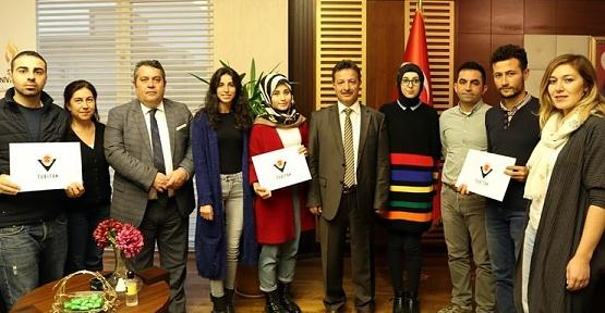 Siirt Üniversitesi Öğrencileri TÜBİTAK Girişimcilik ve Yenilikçilik Yarışmasından Üç Ödülle Döndü