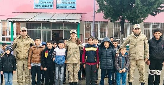 """Siirt'te """"Huzurlu Parklar ve Okul Önleri Uygulaması"""" Yapıldı"""