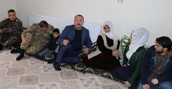 Vali Atik, Şehit ve Gazi Ailelerini Yalnız Bırakmadı