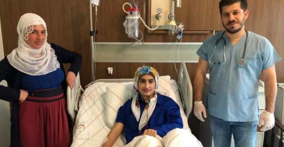 20 Yaşındaki Hasta Ameliyatla Sağlığına Kavuştu