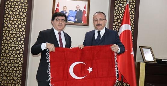 GAP İdaresi Başkanı Sadrettin Karahocagil, Vali Atik'i Ziyaret Etti