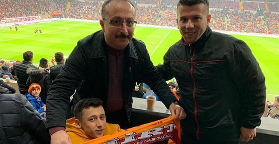 Vali Atik, Galatasaray Taraftarı Engelli Gencin Hayalini Gerçekleştirdi