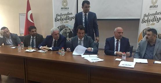 Belediye İş Sendikası, Mardin Artuklu Belediyesi İle Toplu İş Sözleşmesi İmzaladı