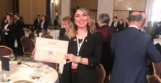 Çocuk Sağlığı ve Hastalıkları Uzmanı Dr.Melike Karabulut'a Anlamlı Ödül
