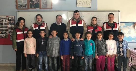 Siirt'te Okul Önü Genel Asayiş ve Trafik Denetleme Uygulamaları Devam Ediyor