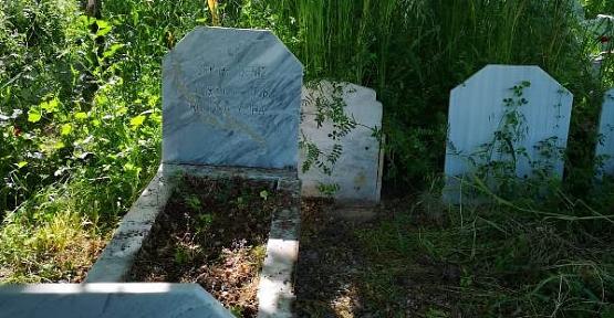 Mezarlıklar İlgi Bekliyor