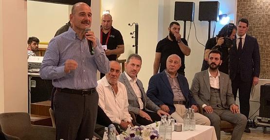 Bakan Soylu ve AK Parti İl Başkanı Çalapkulu, Tophane'de Siirtlilerle Buluştu