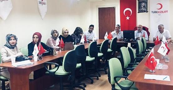 """Siirt Kızılay'a ''Kadına Yönelik Şiddetle Mücadele"""" Eğitim Semineri Verildi"""