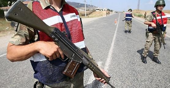 """""""PKK/KCK Terör Örgütüne Yardım ve Yataklık Etmek"""" Suçundan Aranan 2 Kişi Yakalandı"""