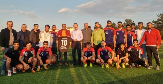 AK Parti İl Başkanı Çalapkulu, İktisas Spor Kulübü Futbol Takımını Ziyaret Etti