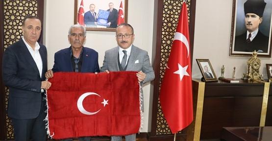 Şehit Polis Fethi Sekin'in Babasından Vali Atik'e Ziyaret
