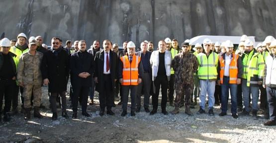Avrupa'nın En Büyük Barajı Çetin Barajında Su Tutulmaya Başlandı