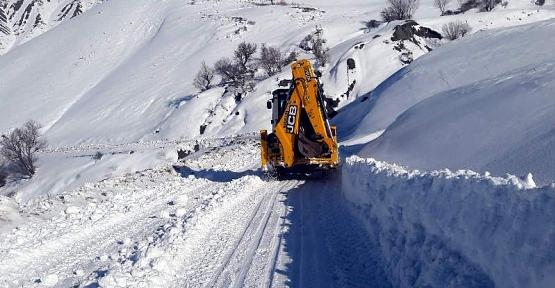 Pervari'de Kardan Kapanan 40 Köy Yolu Ulaşıma Açıldı