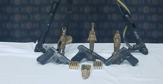 Siirt'te Ruhsatsız Silah ve Tarihi Eser Operasyonu