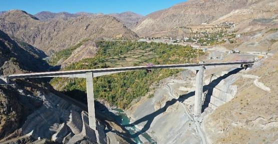 Türkiye'de Bir İlk Olan  Konsol Viyadüklü Asma Köprü Hizmete Giriyor
