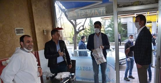 AK Parti Kurtalan İlçe Teşkilatı Vatandaşlara Ücretsiz Maske Dağıttı