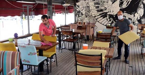 Sağlık Bakanlığı, Restoranlarda ve Kafelerde Uygulanacak Kuralları Açıkladı