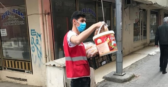 Türk Kızılay'dan 1500 Aileye Gıda ve Pide Yardımı