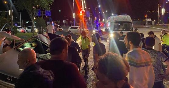 Siirt'te Trafik Kazası: 2 Ölü: 1 Yaralı