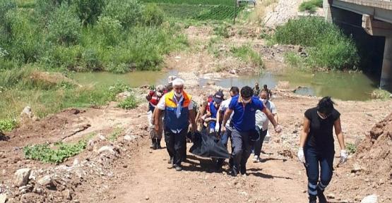 Siirt'te 25 Yaşındaki Genç Kendisini Köprüye Asarak İntihar Etti